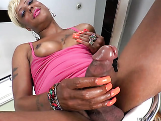 dirty ebony shemale plays