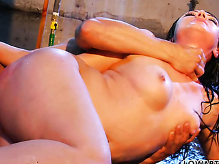 chubby brunette gets her