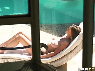 topless sunbather hottie gets