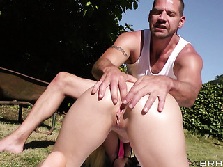 muscled gardener anally fucked