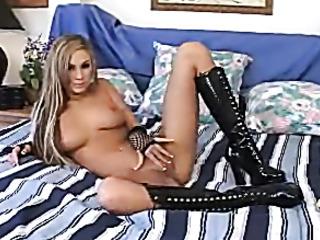 mature blonde hottie shows