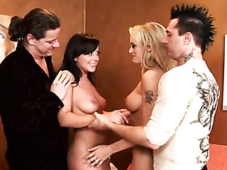 hot housewives sucking cocks