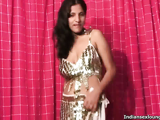 guy fingers indian pussy