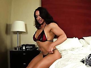 broad brunette clit pumping