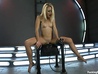 blondie with shaved pussy