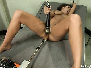 brunette sweetie gets her