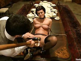 bajitas haired chica mona bondage