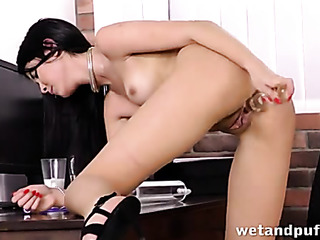 pretty brunette pleasures herself